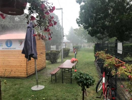 Vihar közben és után.
